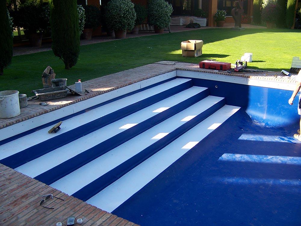 Pose de liner sur escaliers de piscine - Escalier piscine sur liner ...